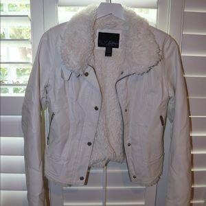 White Day Trip Furry Jacket